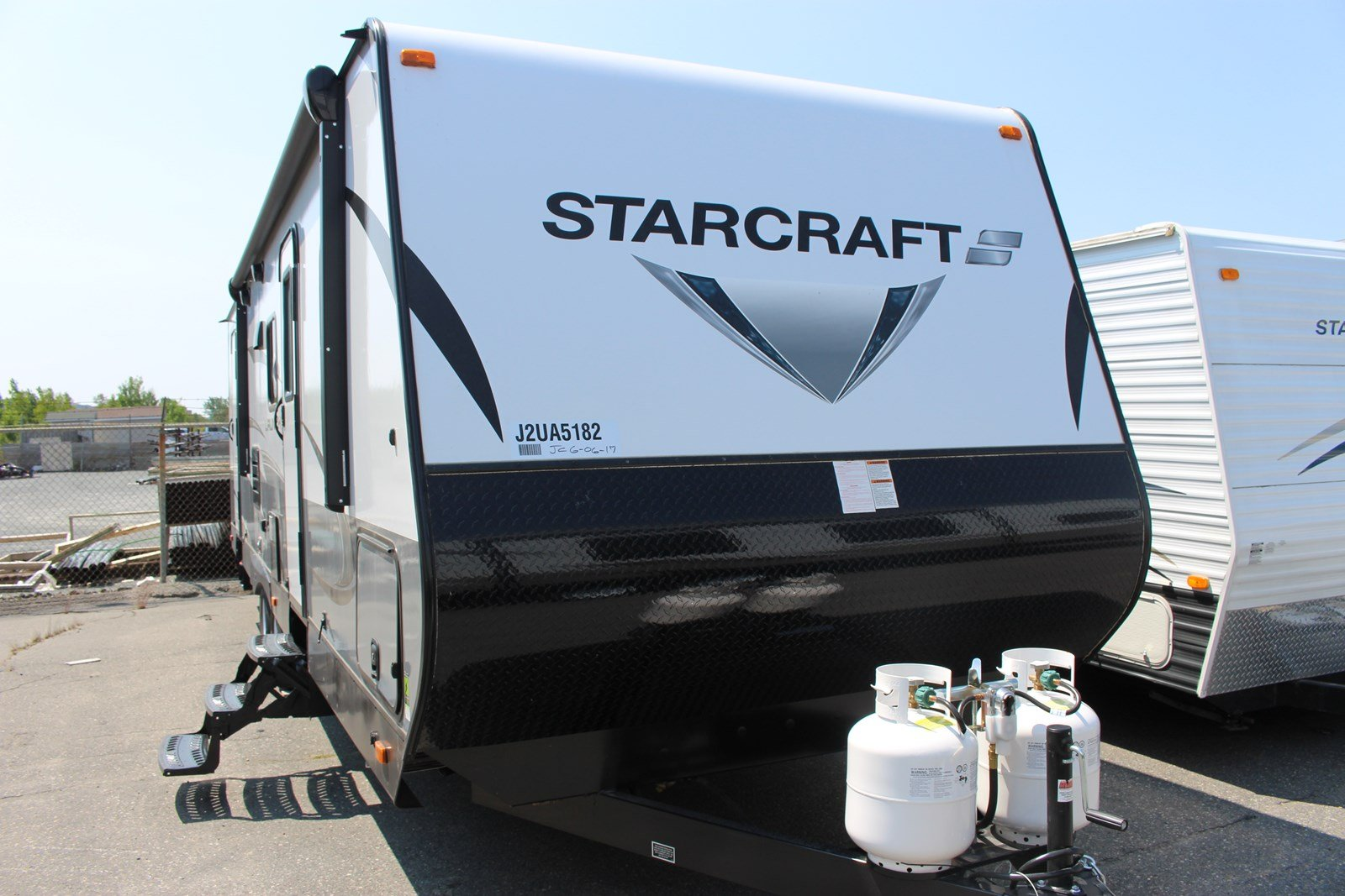 New 2018 Starcraft LAUNCH OUTFITTER 27BHU