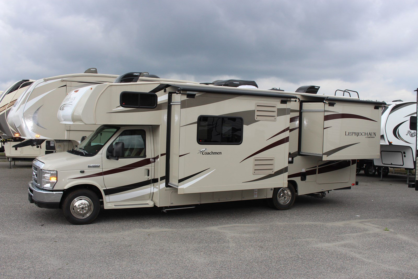 New 2018 COACHMEN LEPRECHAUN 260DS CLASS C