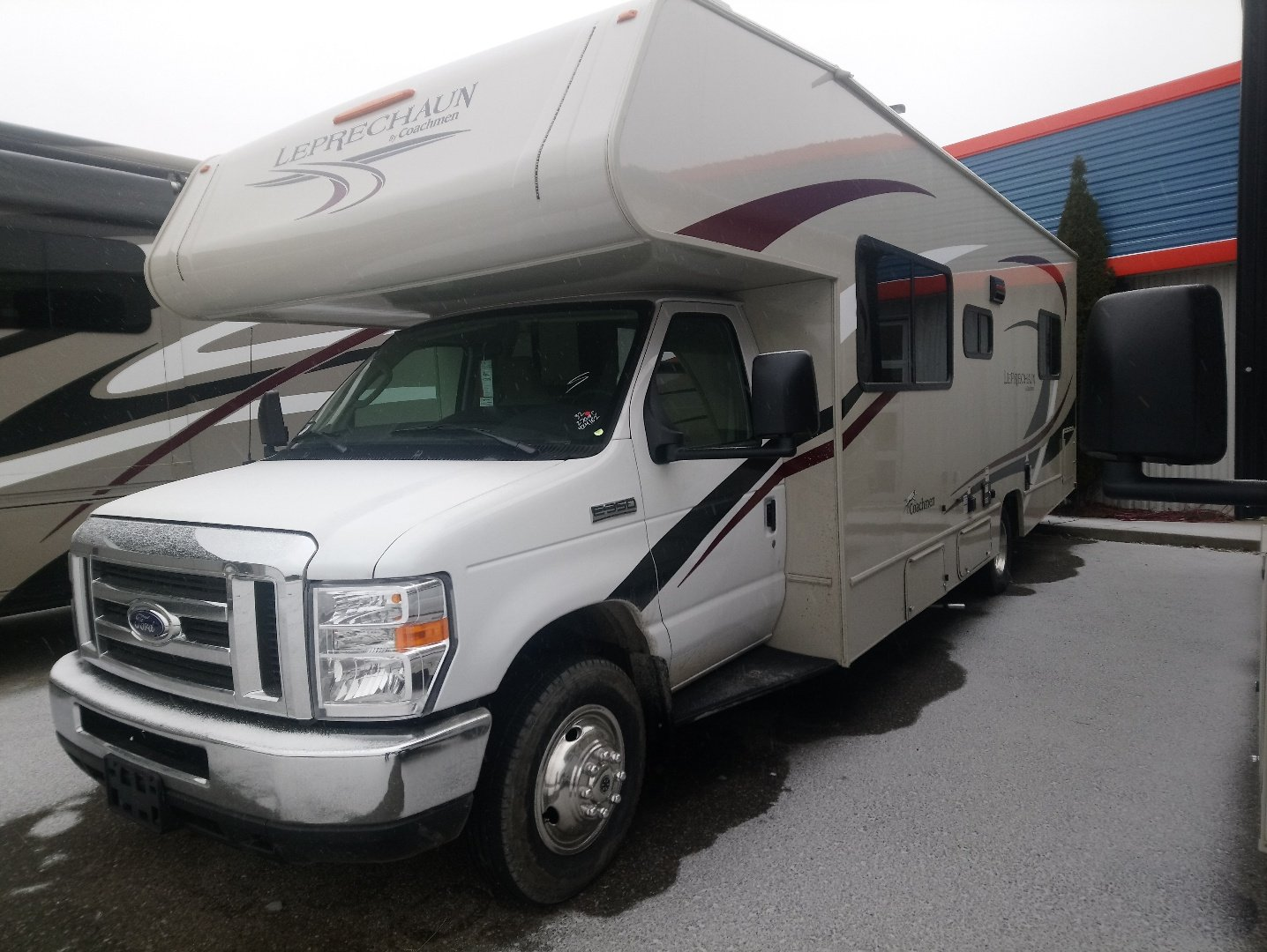 New 2019 COACHMEN LEPRCHAUN 270QBF