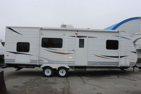 Pre-Owned 2011 HEARTLAND TRAILRUNNER 26FQB